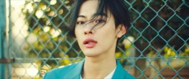アジアから注目を集める トリリンガルアーティストNOA 新曲『Too Young』 Music Video公開